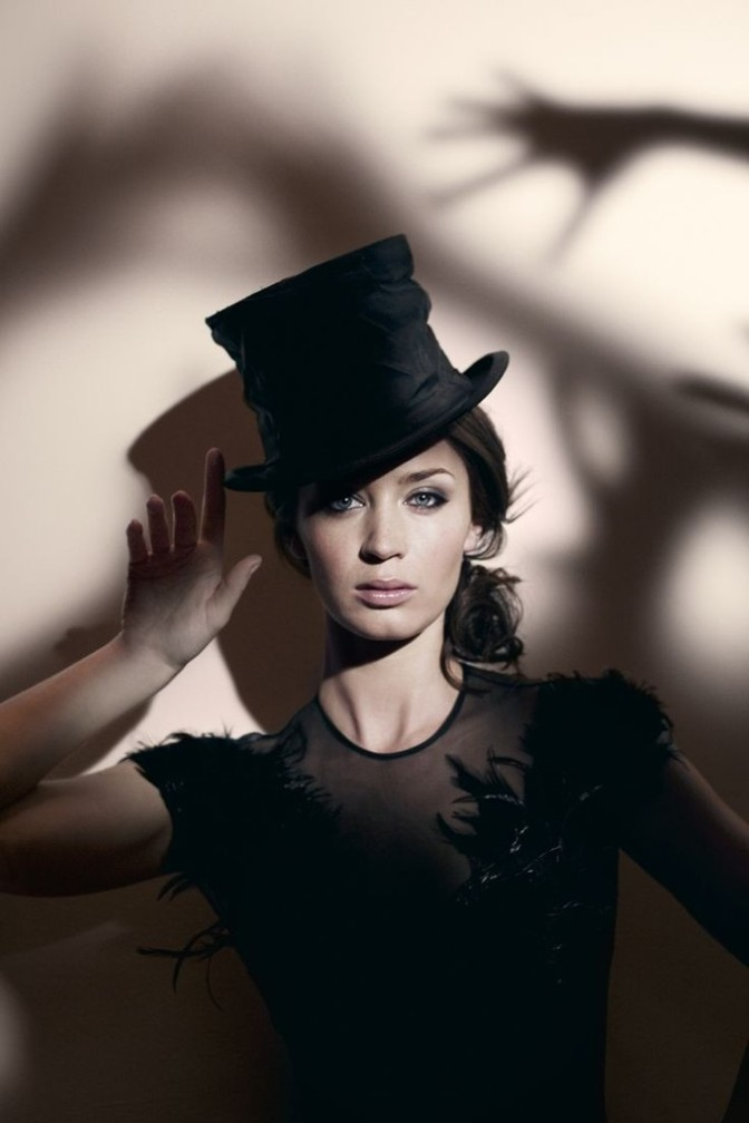 Is Emily Blunt Disney's Frontrunner to Play Mary Poppins ...